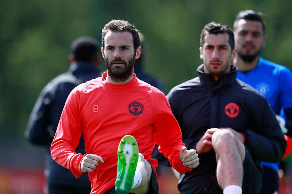 """""""I've Never Seen Any Player Like Him"""" Mata Hails United Summer Signing"""