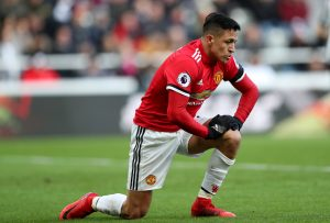 'Give Sanchez time and don't worry' says Manchester United legend