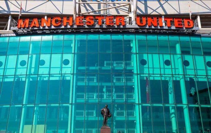 Barcelona star confirms Manchester United interest