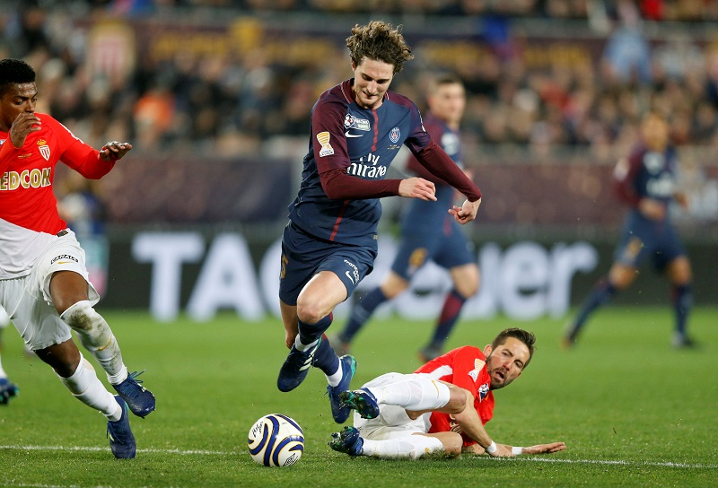United Looking To Snap Up French Midfield General Ahead Of Arsenal And Liverpool